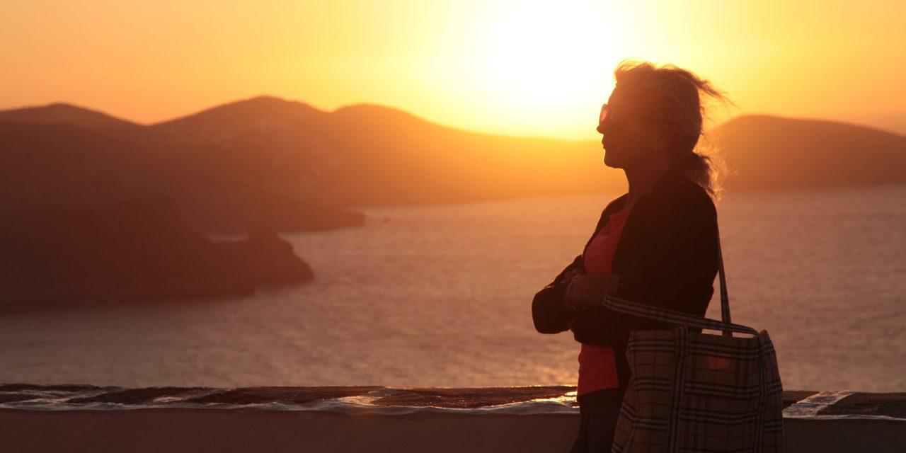 Holiday Stocking Fillers – Silvija Travel Tips – Unravel Travel TV