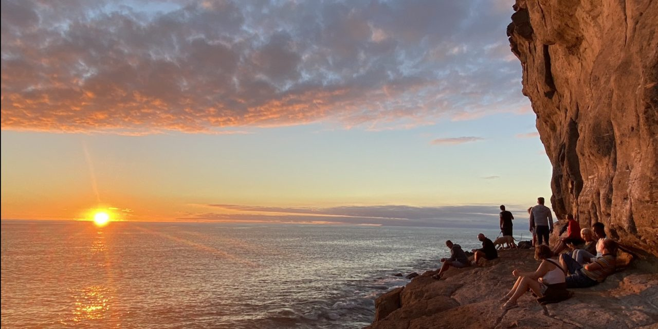 Sunset viewpoint in Pueto de Mogán, Gran Canaria – Unravel Travel TV